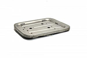Luggage carrier plate