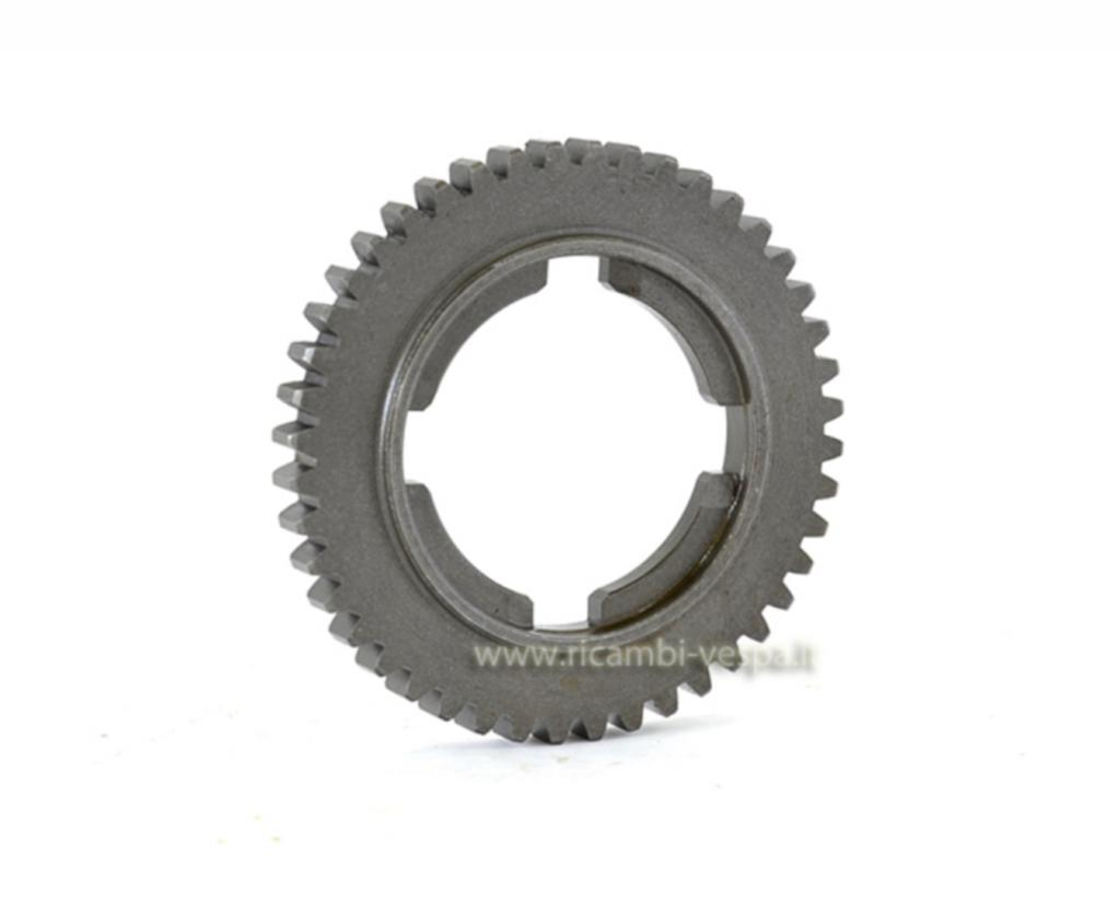 4th gear cog (44 teeth)