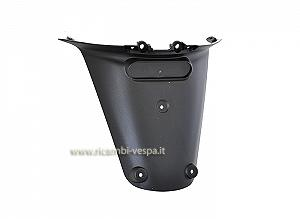 Rear plate holder protection in plastic, black colour