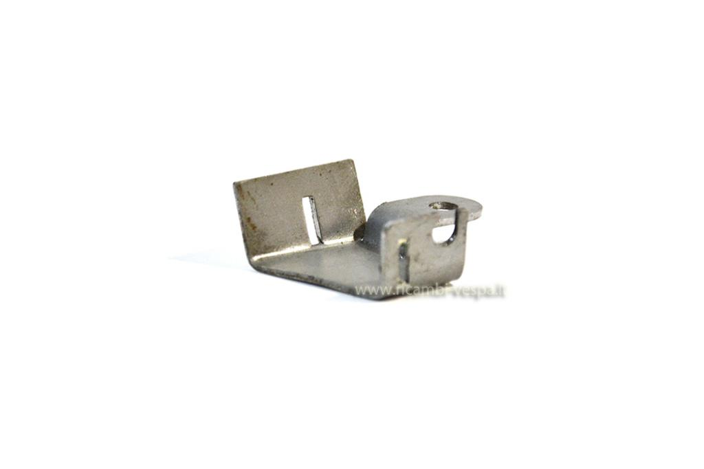 Choke lever metal bracket
