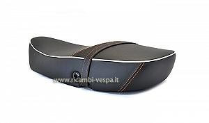 Complete black saddle
