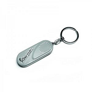 Chromed key ring with an orange background